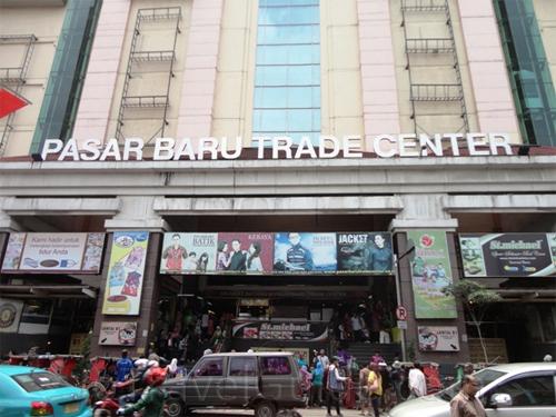 Pasar Baru di Bandung (sumber: www.wisatabandung.co.id)