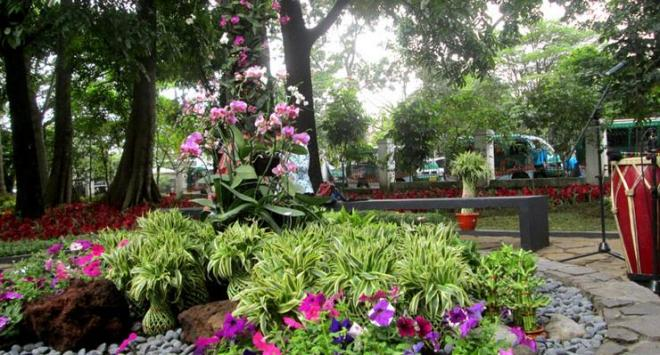 Taman Pustaka Bunga di Bandung (sumber: sebandung.com)